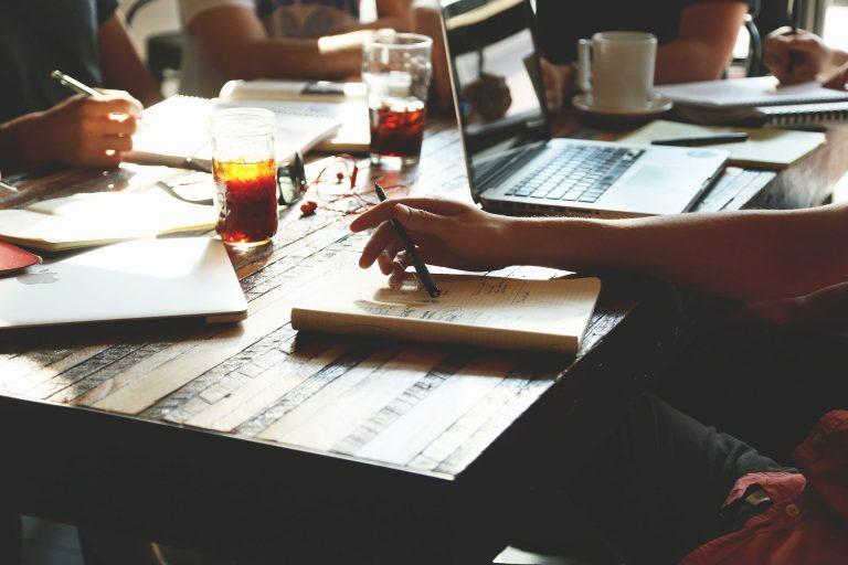 Come scegliere i fornitori giusti per l'Evento Perfetto? Consigli, valutazioni e segreti per creare il tuo perfect team