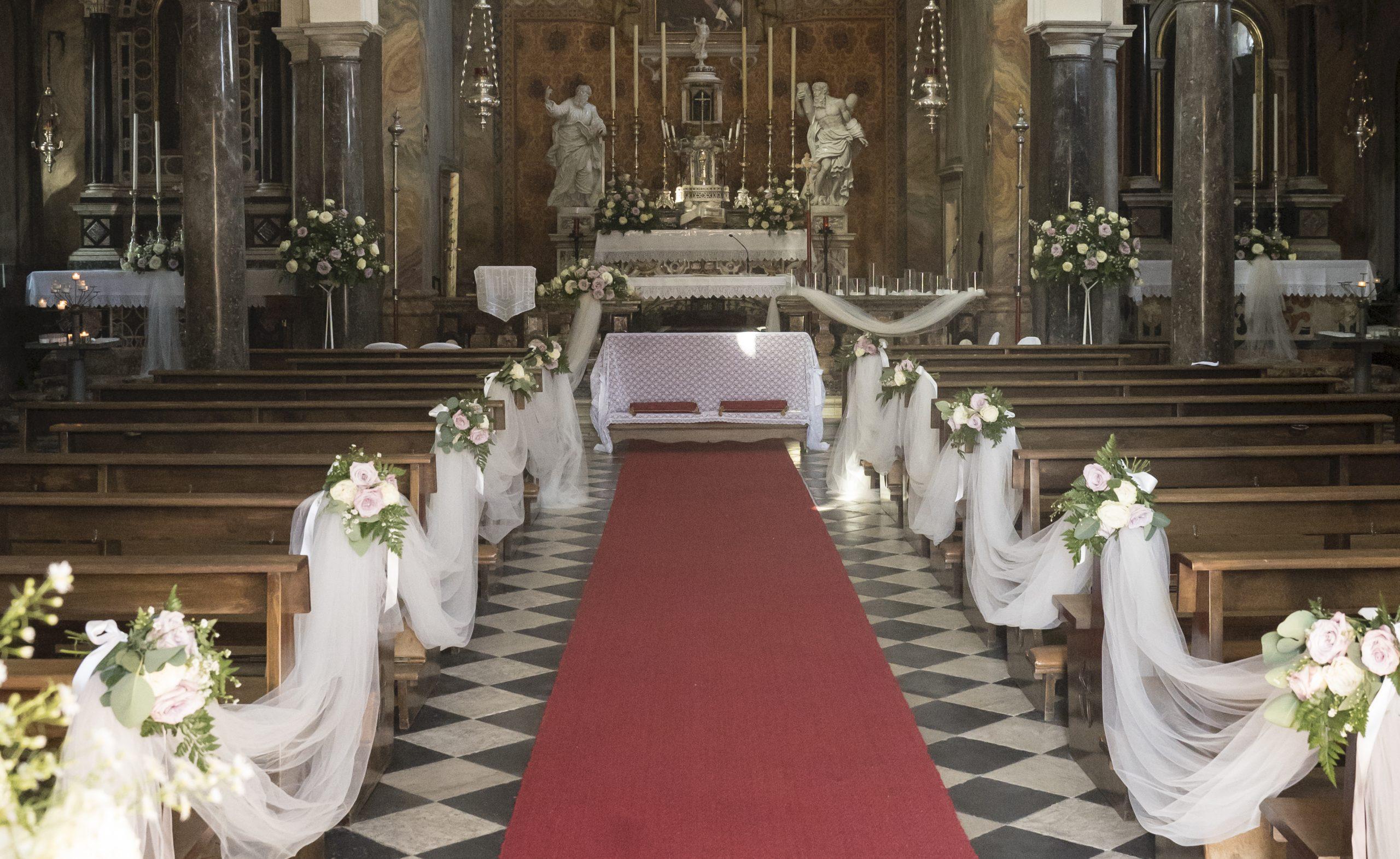 Come scegliere gli allestimenti floreali per il matrimonio perfetto: ne paliamo con la floral designer Michela Bratta